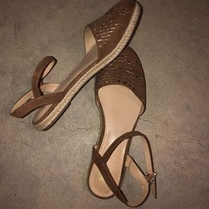 3/$25 New w/o Tags Route 66 Closed Toed Sandals
